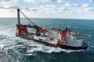Heerema-Christens-Deepwater-Construction-Vessel-Aegir