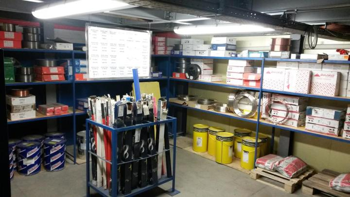 welding-consumable-storage-room.i894-kem2hN1-l2.jpg